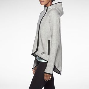 Nike Tech Fleece Cape Hoodie XS Gray
